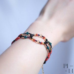 2/50$ bracelet with natural jade gemstones
